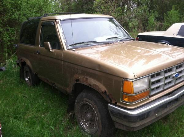1989 Ford Bronco II Manual For Sale in Carrollton, MI